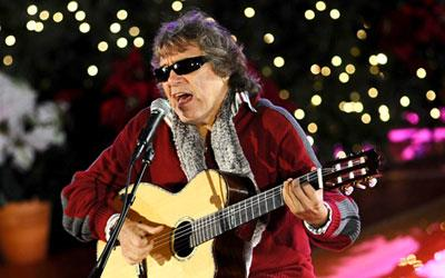 José Feliciano performs at the Rockefeller Center Christmas Tree Lighting Ceremony in New York in 2009 (Jeff Zelevansky/Reuters)