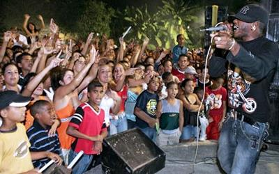 Musicians of the Eddy K group perform reggaetón in Cuba (© Adalberto Roque/Getty Images)