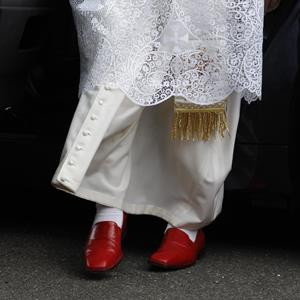 Pope's red shoes \\ Photo: WPA Pool/Getty Images, Gianni Dagli Orti/Corbis