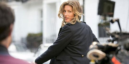 Photos: Gisele Bundchen // Courtesy H&M, Gisele Bundchen