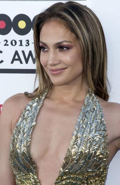 Photo: Jennifer Lopez at the Billboard Music Awards //Corbis Wire, Splash, Getty Images