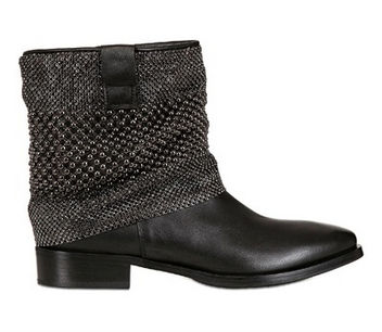 Photo: Strategia's chain-mail ankle boots