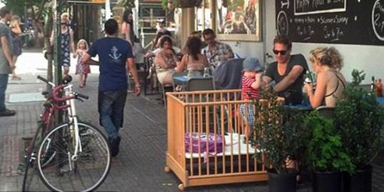 Brooklyn couple brigs wooden crib to restaurant / Courtesy of Ben Fractenberg/dnainfo.com