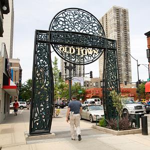 Photo: Charles Cook/Getty Images // Wells Street in Old Town sign in Chicago, Ill.