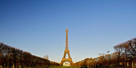 Photo: Eiffel Tower. Workers are on strike and monument is closed. / Kevin Yulianto/Getty Images