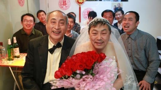 Photo: Elderly gay couple marry in China / weibo.com via shehui.daqi.com