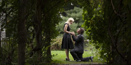 Photo: Proposal planner help men propose / Cavan Images/Getty Images