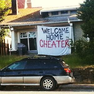 Photo: Cheater sign / farthoven via Imgur.com, http://aka.ms/cheater