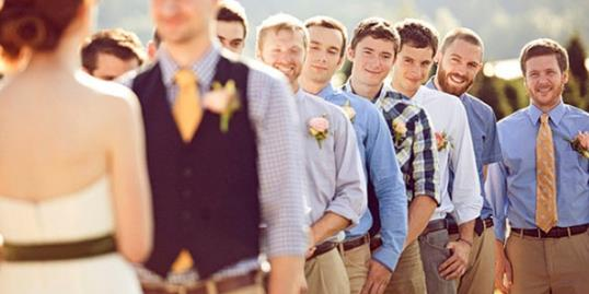 mismatched groomsmen outfits
