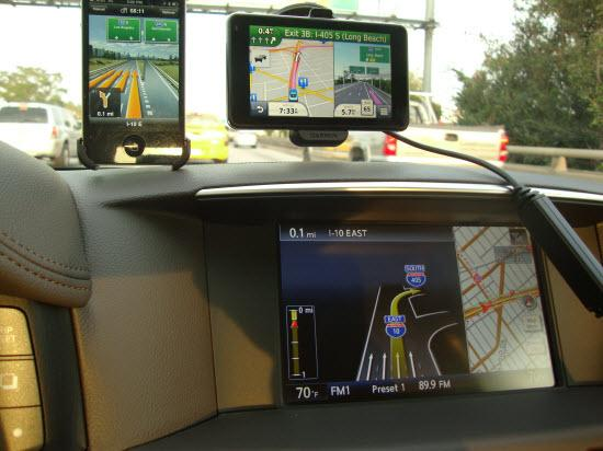 Navigation test in a 2011 Infiniti M56.