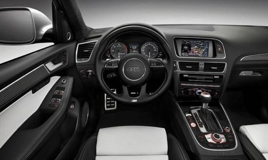The SQ5's interior borrows elements from other sporty Audis. Photo by Audi.