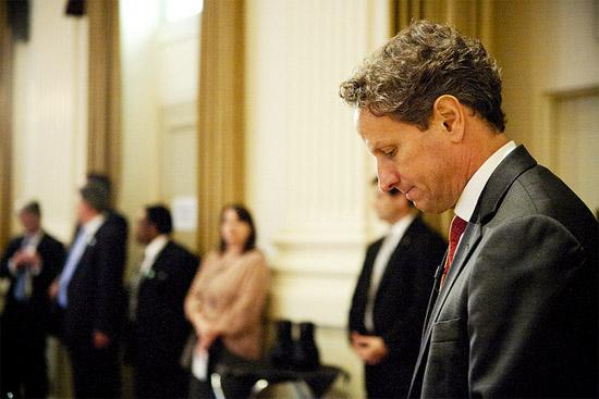 Treasury Secretary Timothy Geithner (c) US Treasury