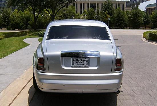 2006 Rolls-Royce Phantom (c) Rolls-Royce Motor Cars Houston