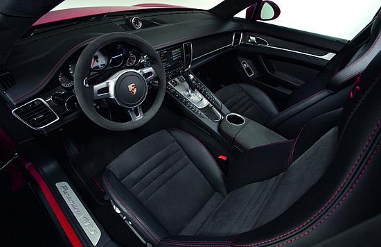 2013 Porsche Panamera GTS interior (c) Porsche