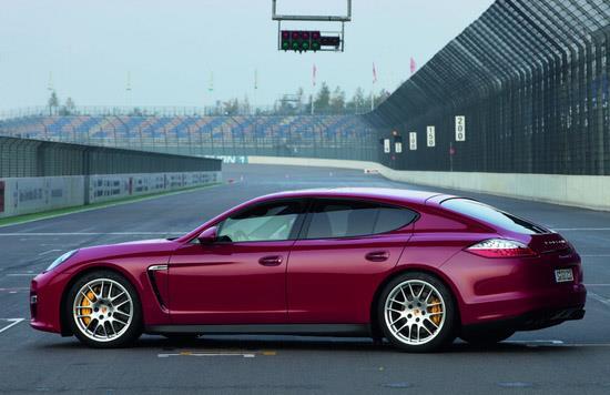 2013 Porsche Panamera GTS (c) Porsche
