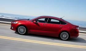 2013 Ford Fusion (© Ford Motor Company)