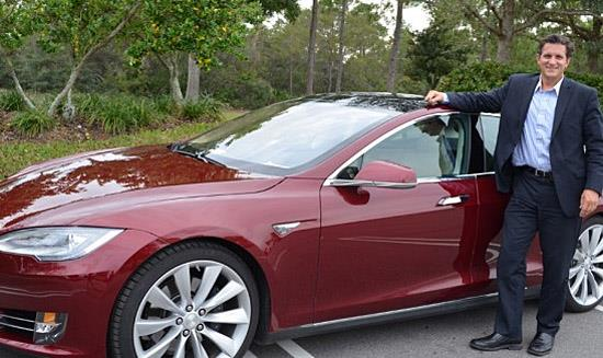 UCF professor David Metcalf and his Tesla Model S (c) UCF