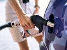 Image: Filling fuel tank (© Corbis)