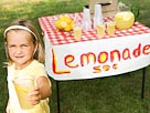 Image: Children with lemonade stand (&#169; Ron Chapple/Thinkstock Images/Jupiterimages)