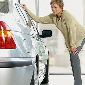 Image: Car shopping (© Image Source/Corbis)