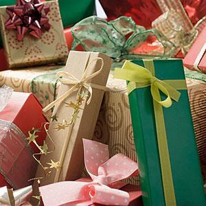 Image: Gifts (© Image Source Black/Jupiterimages)