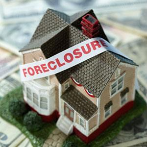 Image: Home Foreclosure (&#169; Dana Hoff/Getty Images/Getty Images)