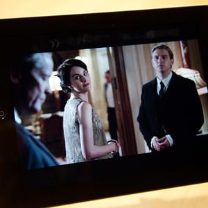A scene from UK drama 'Downton Abbey' is displayed on an iPad (© LEON NEAL/AFP/Getty Images)