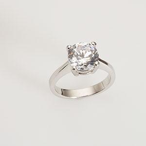 Image: Diamond ring (© Lew Robertson/Corbis)