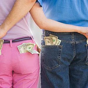 Image: Couple and cash (&#169; Big Cheese Photo/Jupiterimages)