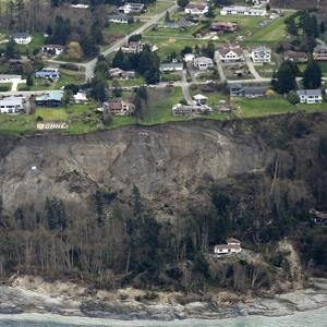 An aerial photo shows a landslide near Coupeville, Wash. on Whidbey Island, Wednesday, March 27, 2013 (© Ted S. Warren/AP Photo)