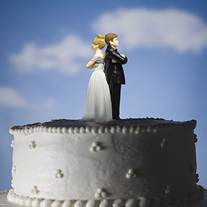 Logo: Wedding cake (Mike Kemp/Jupiterimages)