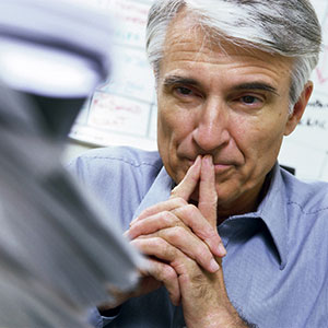 Older man deep in thought © Cha Cha Royale/Brand X/Corbis