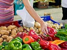 Image: Grocery shopping (© IT Stock Free/Jupiterimages)