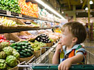 Image: Toddler in supermarket (&#194;&#169; Susan Barr/Photodisc/Getty Images)