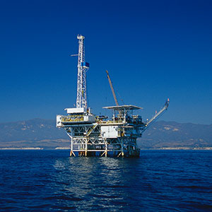 Oil drilling platform, Scott Gibson/Corbis