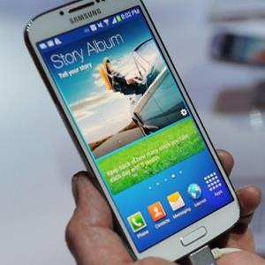 Samsung Electronics Co. Galaxy S4 smartphone
