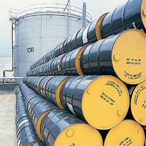 Image: Oil drums © Kevin Phillips, Digital Vision, age fotostock