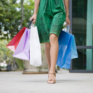 Shopping (© imagewerks/Getty Images/Getty Images)