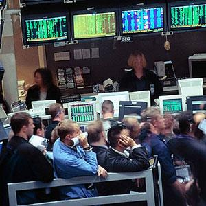 Stock traders on NY Stock Exchange