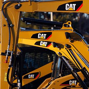 Caterpillar machines are seen on a lot at Milton CAT in North Reading, Massachusetts on January 23, 2013 (© Jessica Rinaldi/Newscom/Reuters)