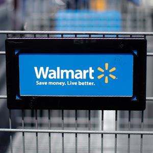 Wal-Mart cart © Carlos Barria/REUTERS