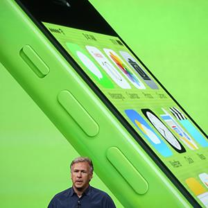 Apple Senior Vice President of Worldwide Marketing at Phil Schiller speaks about the new iPhone 5C on September 10, 2013 in Cupertino, Calif. (© Justin Sullivan/Getty Images)