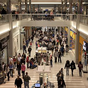 Shoppers walk around the Mall of America in Bloomington, Minnesota on Feb. 25, 2012 (© Ariana Lindquist/Bloomberg via Getty Images)