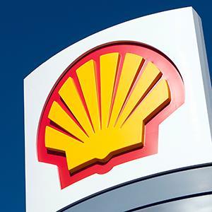 Sign at Royal Dutch Shell oil refinery © Iain Masterton/Alamy