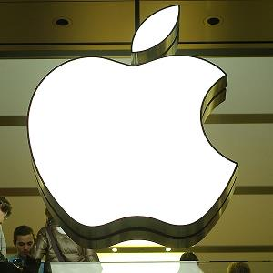 The Apple logo is seen at a Apple store in Munich (© Johannes Simon/Getty Images)