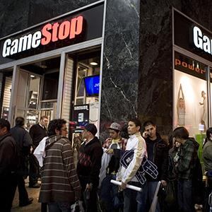 File photo of the GameStop store in New York on April 28, 2008 just before 'Grand Theft Auto IV' was released (© Ramin Talaie/Bloomberg via Getty Images)
