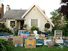 Image: Home garage sale ( UpperCut Images/SuperStock)