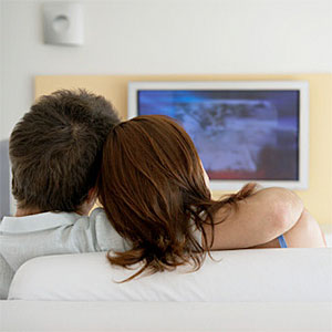 Image: Watching television (Maria Teijeiro/Getty Images/Getty Images)