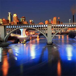 Downtown Minneapolis skyline &amp; Mississippi River - Chris Andersen Photography, Flickr, Getty Images