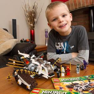 Luka Apps with his Ninjago legos (@lukaapps via Twitter, http://aka.ms/Legos)